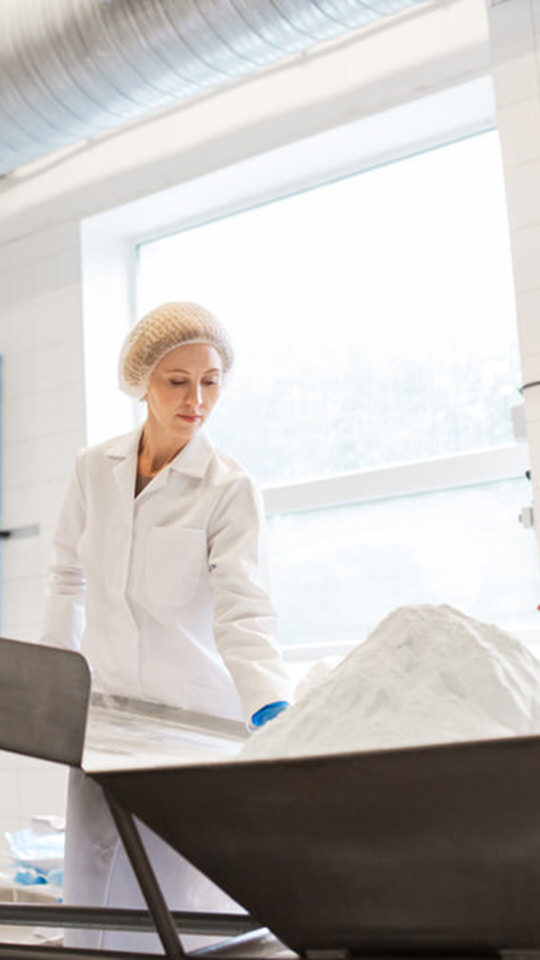 Training and Development - Food Safety Training - woman in food manufacturing